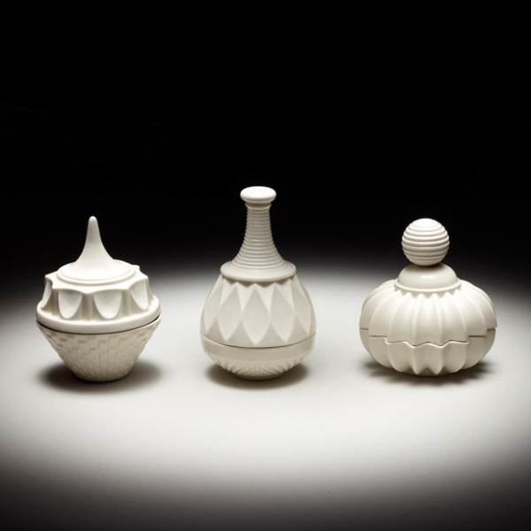 Beautiful porcelain jars by Þóra Finnsdóttir