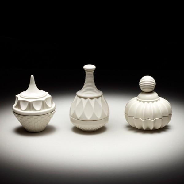 Beautiful porcelain jars by Þóra Finnsdóttir